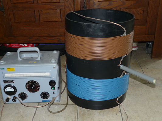 Wrapped on 31 cm pipe. Vario meter700 to 950 uH. Made for 475 kHz Antenna.