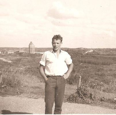 Jan in de duinen 16 jaar.