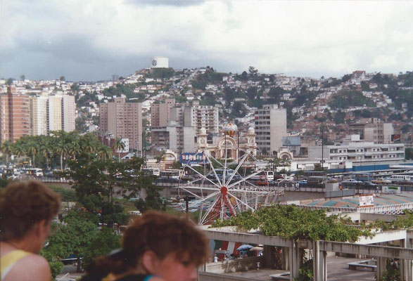 Caracas Venezuela Nellie en Cora op de voorgrond.