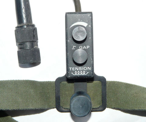 KY-5033 PRC-515. Leg Mounted Key.