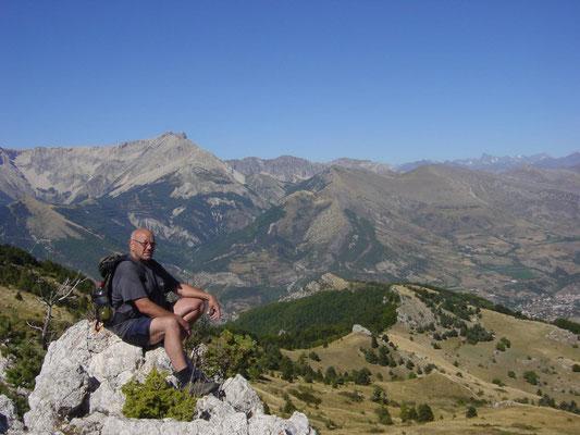 Wandeling rond de camping La Montagne Manteyer Frankrijk