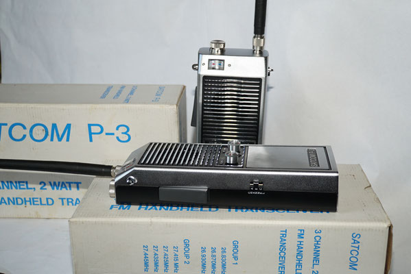 Satcom P-3. 3 Channel, 2 Watt FM Handheld Transciever.
