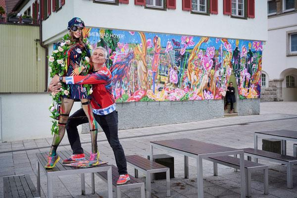 Der Künstler der Kunst findet die Artpolice nett!