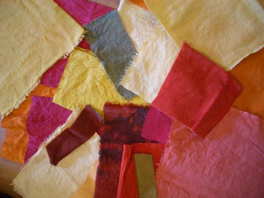 Echantillons de tissus teints