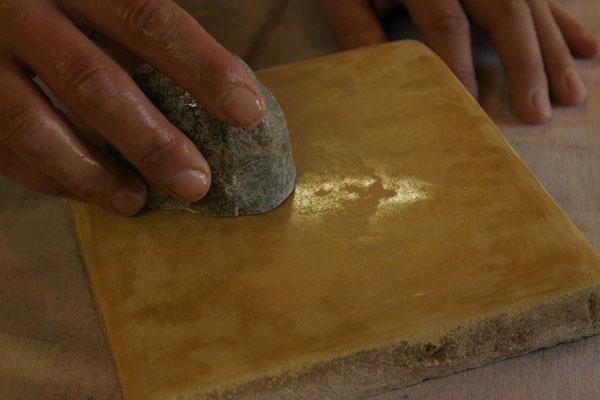 Ferrage serrage à la pierre