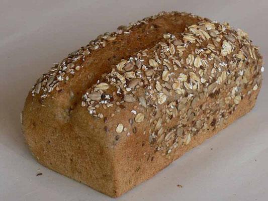 Mehrkorn-Hefebrot - mit 84% Dinkel- und 16% Kamutvollkornmehl