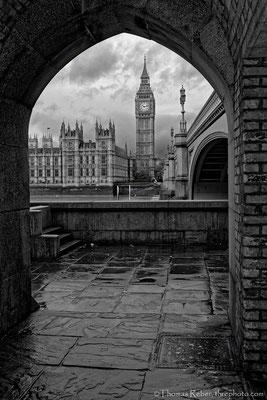 UK, London, Big Ben and Westminster Bridge