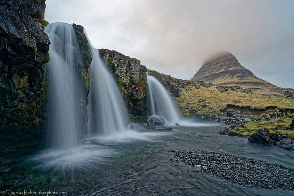 Iceland, Snaefellsnes, Kirkjufell mountain and Kirkjufellfoss waterfall