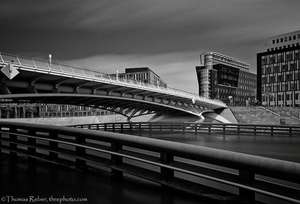 Germany, Berlin, Kronprinzenbrücke, design by Santiago Calatrava
