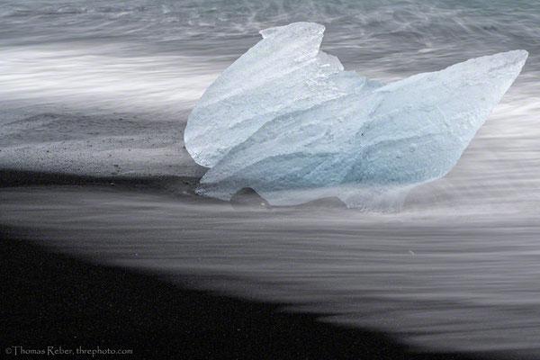 IIceland, Diamond beach, blue ice