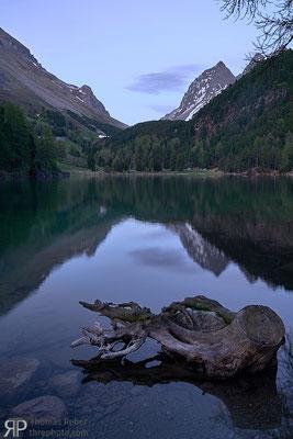 Switzerland, Lai da Palpuogna, alpine lake