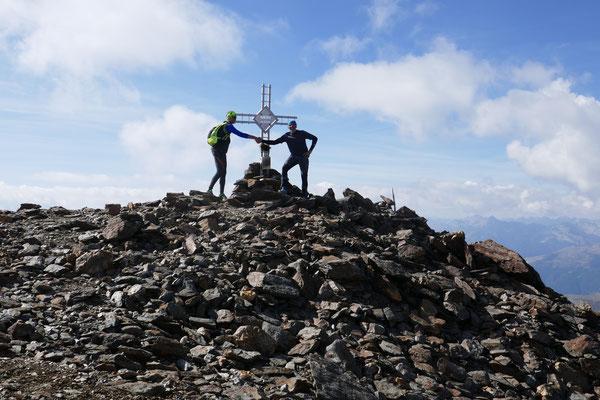 Bergheil am letzten Gipfel, der Remsspitze