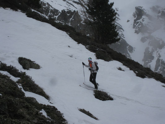 als die erste haltbare Decke gefunden war, schnallten wir die Skier an