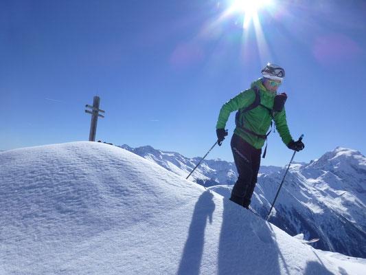 Abfahrt direkt vom Gipfel, Gipfel Ortler beobachtet  STAR Olli