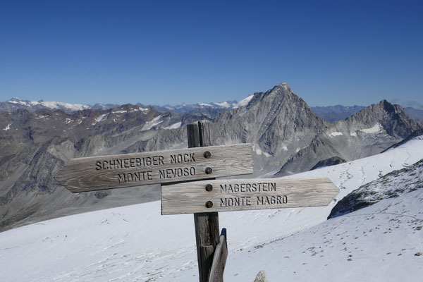 und wieder über den Grat retour, (somit kann der Gletschergang vermieden werden) zum Fernerköpfl