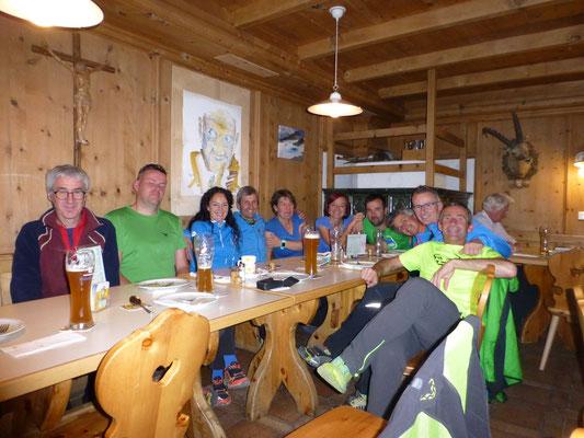 Helfer Hüttenausflug - www ski-running com