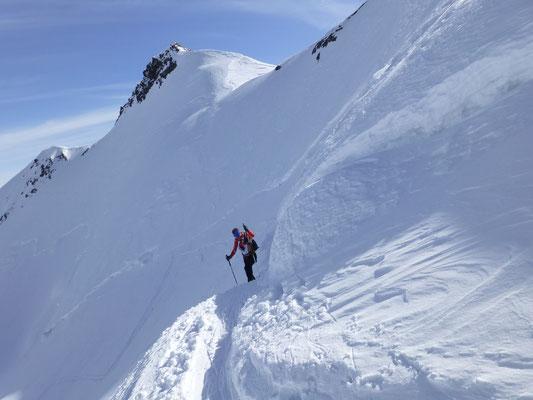 Randspalte im Gipfelhang