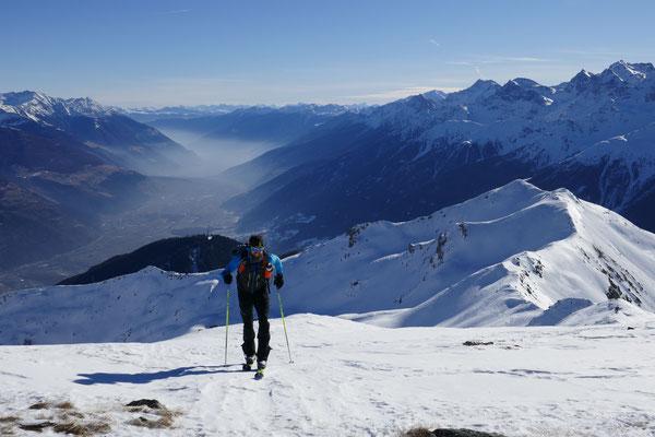 kuzr vor dem dritten Gipfel, erneut mit Blick zum Munwarter und den mittleren Vinschgau