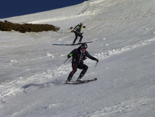 Penti und Andi genossen es vom Gipfel weg
