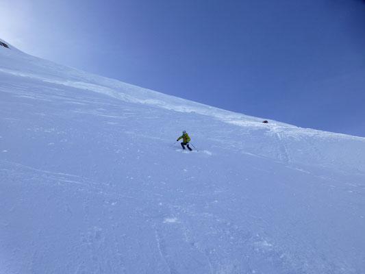 Abfahrt vom Gipfel bei recht guten Bedingungen
