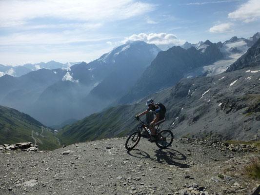 Erster Aufstieg mit tollen Panorama im Hintergrund