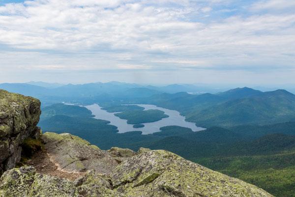Vue sur Lake Placid depuis le sommet de Whiteface Mountain