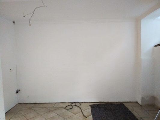 Vorher - die leere Wand