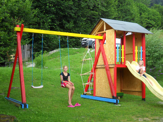 Kinderspielplatz hinter dem Haus Löger Apartments - Windischgarsten
