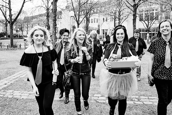 Kreative Fotos fotografiert das Team vom Fotostudio Osnabrück beim Junggesellinnen Abschied