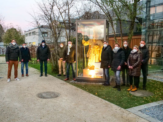 Unterstützer: private Spender ermöglichten die Glaseinhausung (Foto: Verkehrsverein Hövelhof e.V.)