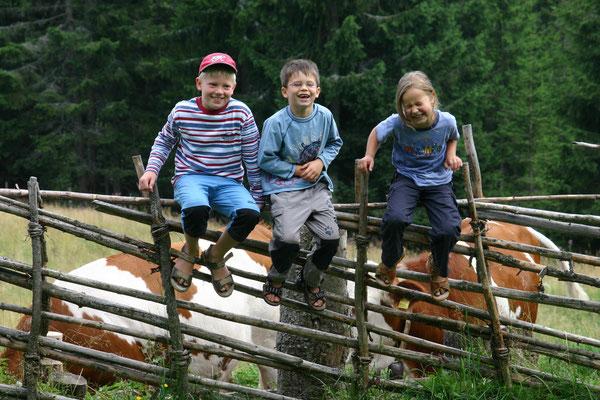 Kinder, Tiere und Natur