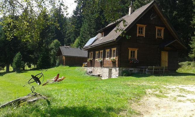 Grosshinterbergerhütte lädt zum Sonnen ein