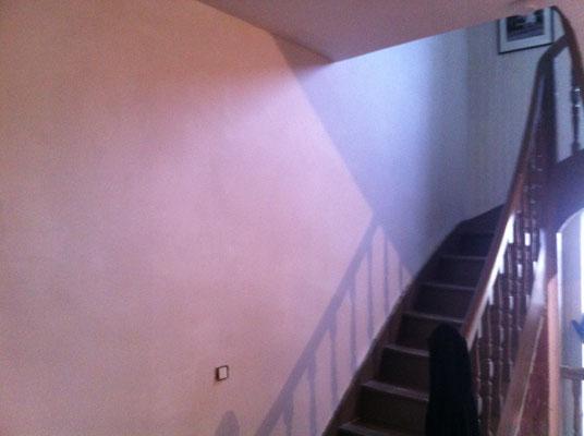Réno mur en pierre dans une cage d'escaliers
