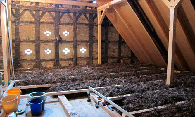 Seagrass as attic floor insolation