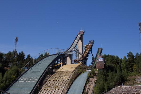 Die Sprungschanzen von Lahti bei strahlendem Sonnenschein !