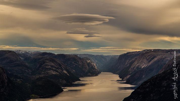 ... auch die Wolke ist wie gemalt