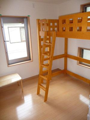 301号室。ロフトベッド付き。日当たり抜群!