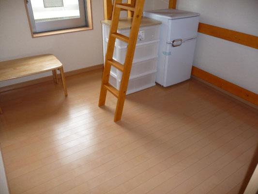 204号室。ロフトベッド付き。日当たり良!