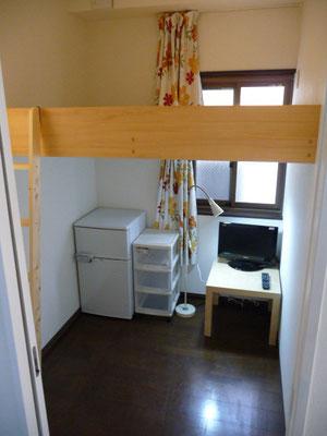 304号室です、日当たりいいです