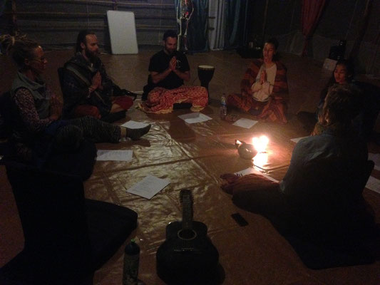 Kirtan - siging mantras together