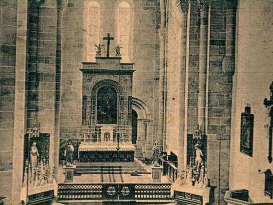 Früher, der Katholische Hochaltar im südlichen Querschiff