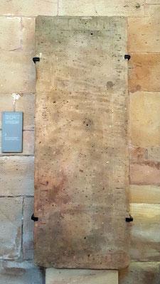 Grabplatte 2, Gerhardus, Probst von Weilburg, gestorben am 6. Jan 1293