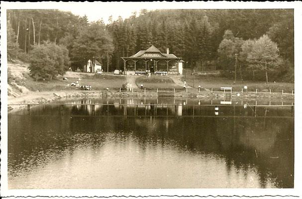 1955 Schwimmbad und Gaststätte zum Schwimmbad