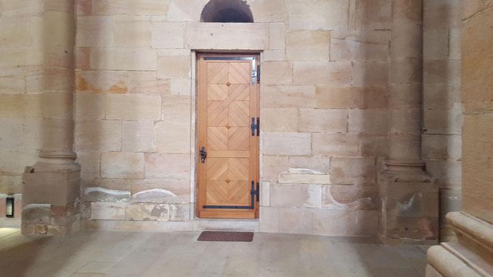 Nördliche Seitentür