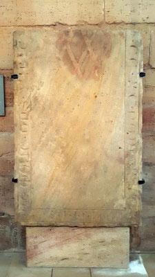 Grabplatte 4,