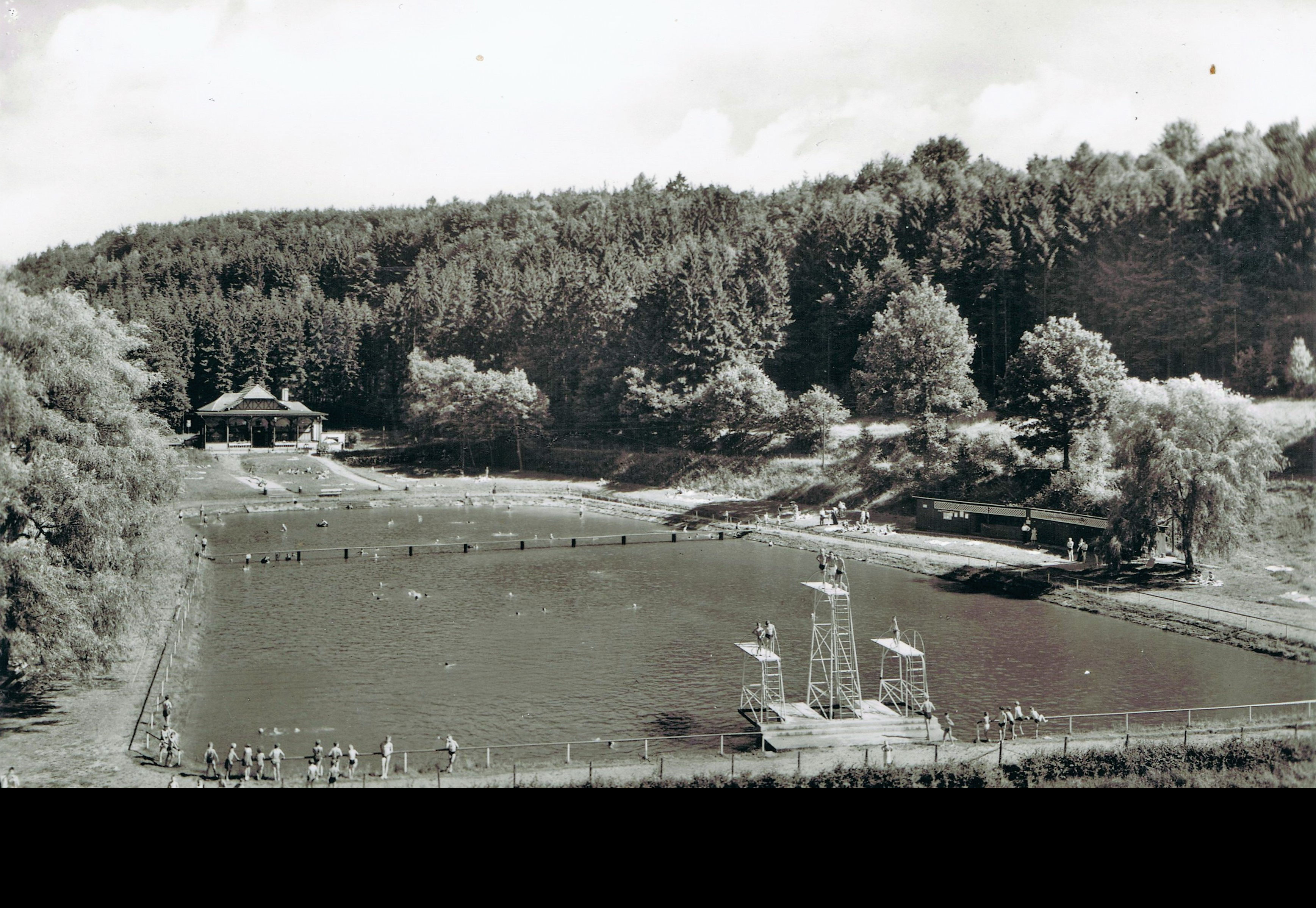 1968, zweiter Sprungturm mit alter Kabinenanlage und Brücke