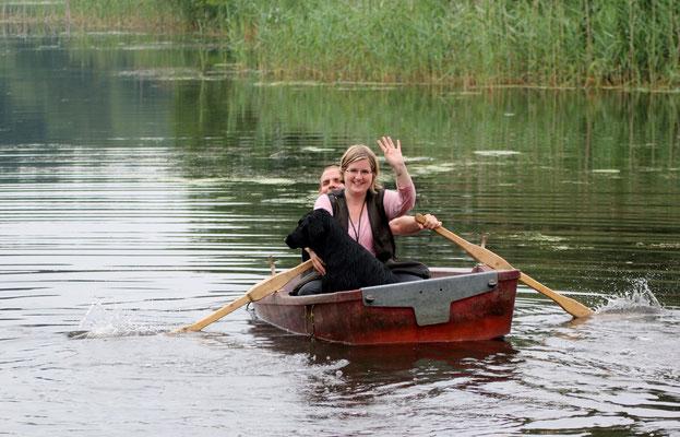 Bootsfahrt für alle Neuankömmlinge - wir kamen trocken am anderen Ufer an :-)