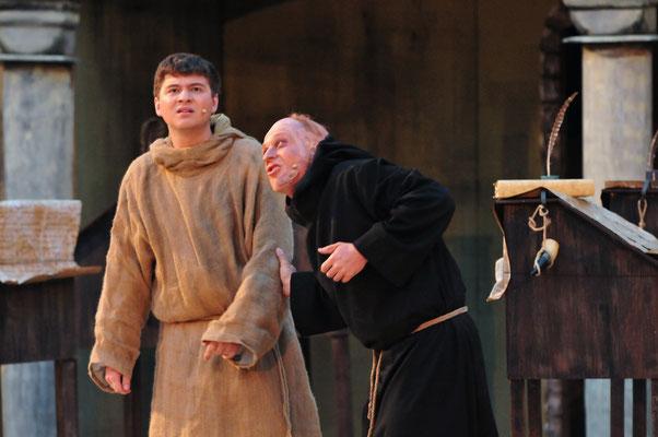 Salvatore (Florian Lang) jagt Adson einen gewaltigen Schrecken ein!