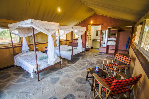 Safari Tsavo Ost Sentrim Camp
