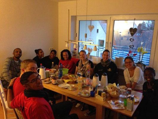 Ich glaub´s mit unseren Übernachtungsgästen ithemba an unserem Eßtisch